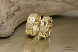 VERKOCHT - 14k gouden trouwringen die in elkaar passen