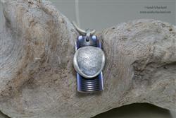 (in opdracht) Zilveren vingerafdruk in titanium hanger