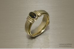 Thyia - Ring met edelsteen